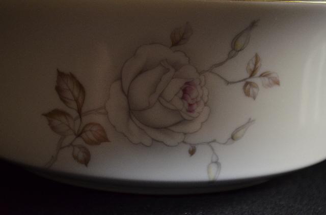 Johann Haviland Sweetheart Rose Round Vegetable Bowl