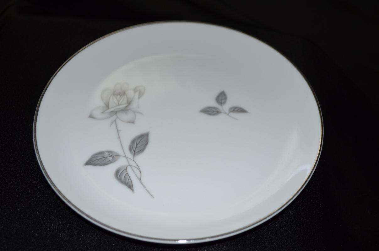 Queens Royal Bread & Butter Plate