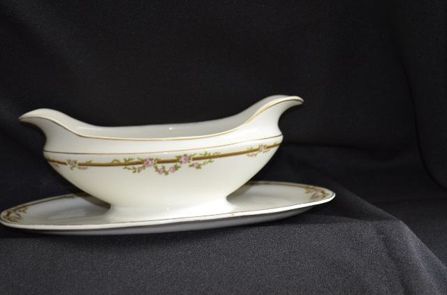 W H Grindley Ardmore Gravy Boat