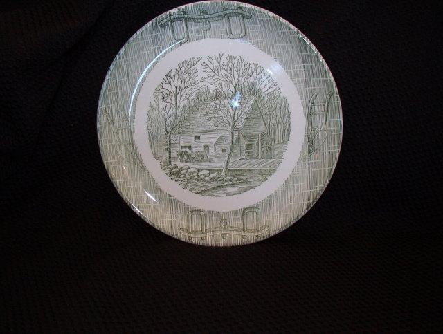 Royal (USA) Luncheon Plate