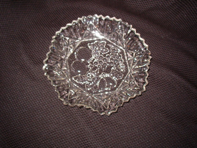 Federal Glass Pioneer Crimped Round Bowl
