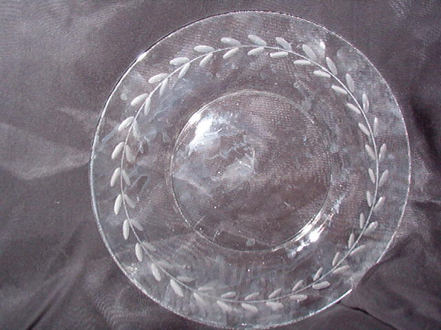 Anchor Hocking Laurel Luncheon Plate