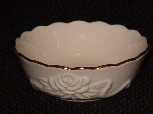 Lenox Rosebud Collection All purpose/Cereal Bowl