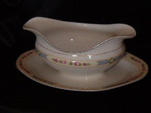 Johnson Brothers JB57  Gravy Boat w/attached underplate