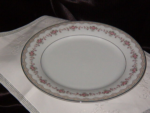 Noritake China Glenwood  Dinner Plate