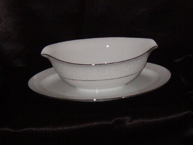 Style House Brocade  Gravy Boat w/Attached Underplate