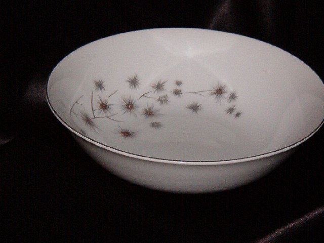 Creative Platinum Star Burst Round Vegetable Bowl