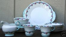 17 Pcs Vintage Aynsley Lunch/Dessert Set