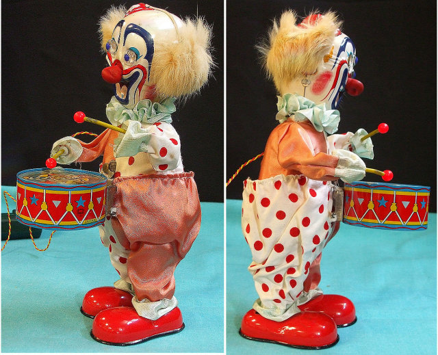 1950's Japan Circus Clown w/Drums Battery Op Box