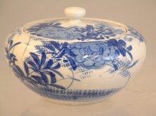 Japanese Arita Ware blue and white covered sugar c1900