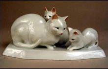 Zsolnay Blanc de Chine Figure cat with kittens