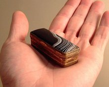 Antique brass and agate snuff box 18th to early 19th C