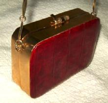 VINTAGE ALLIGATOR PURSE/RED SKIN/GOLD HARD CASE & CHAIN/1940S-50S