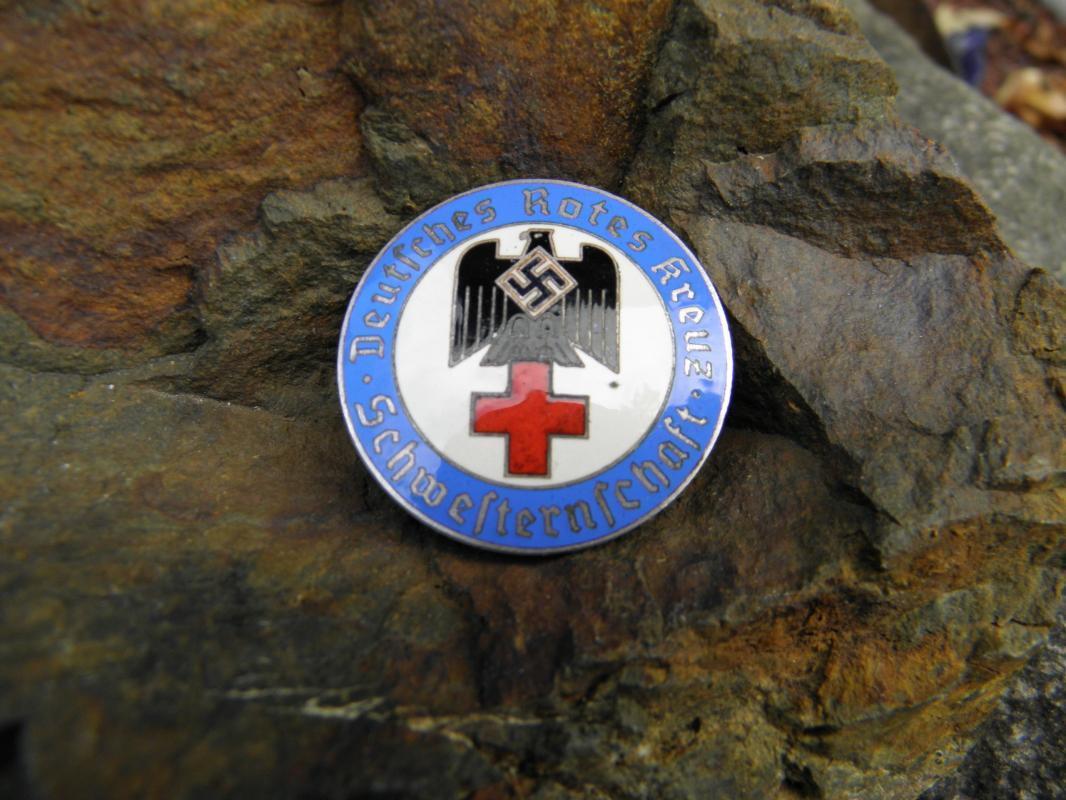 Vintage WWII German Nazi Red Cross Sisterhood Round Blue Badge - Supervisor