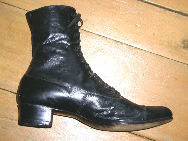 Victorian Ladies Black Leather High Top Shoes