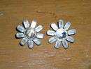 Rhinestone Daisy Buttons