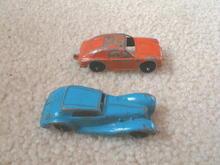 2 Metal Cars