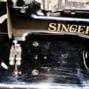 Singer Child's Sewing Machine, Model 20-10.