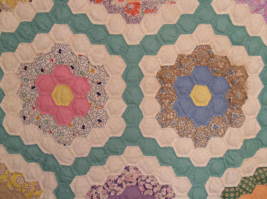 Grandmothers Flower Garden Quilt - QLT
