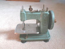 Childs Sewing Machine, Sew-Rite,