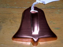 Cookie Cutter, Bell