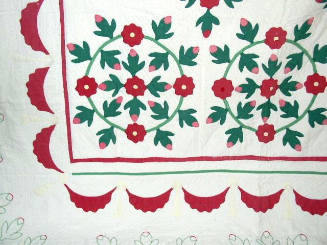 Rose Wreath Applique Quilt -  QLT