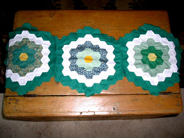 Vintage Quilt Blocks,  Grandmothers Flower Garden   - QB