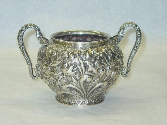 Kirk & Sons repousse sugar bowl America 1890