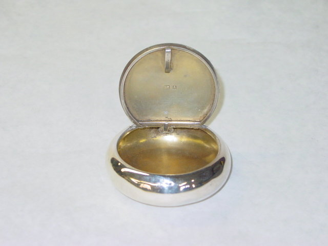 Antique round shaped snuffbox Birmingham 1901