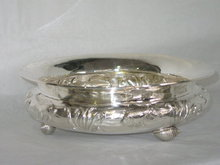 Round shaped cachepot shell footed Italian 1955