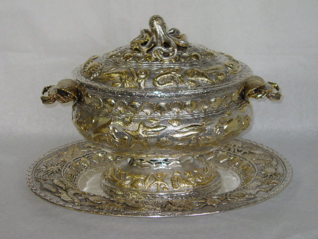 Soup tureen marine subject Italian 1955
