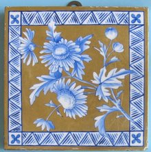 Antique English Aesthetic Gilt Tile - Daisy