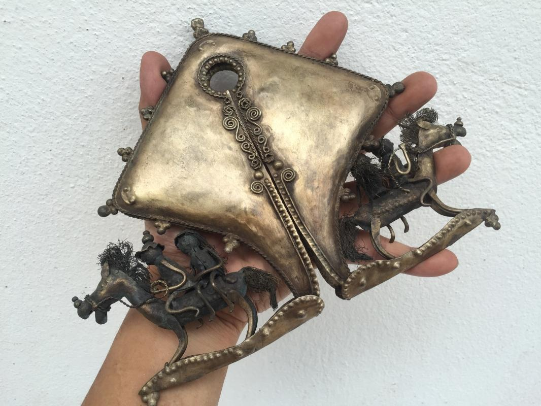 10.) WAR HORSE FIGURE On Female Genitalia Artifact SUMBA MAMULI Old Jewelry XXXL
