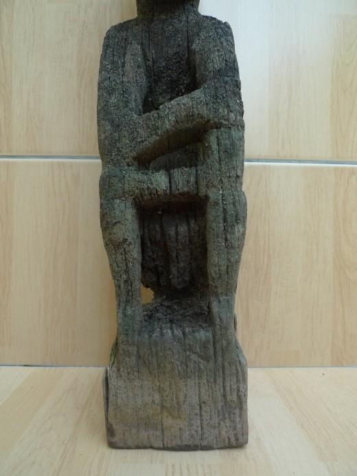 JUST FOUND LUBOK BRUTAN BORNEO 420mm WEATHERED STATUE Antique Dayak Sculpture