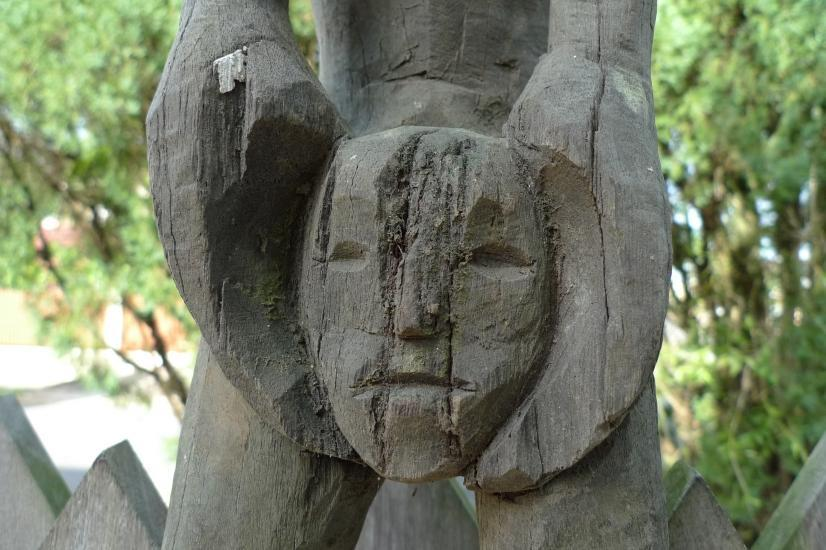 AMPUTATED  HEAD 1440mm HEADHUNTER STATUE POLE Eroded Sculpture Dayak Dyak Figure