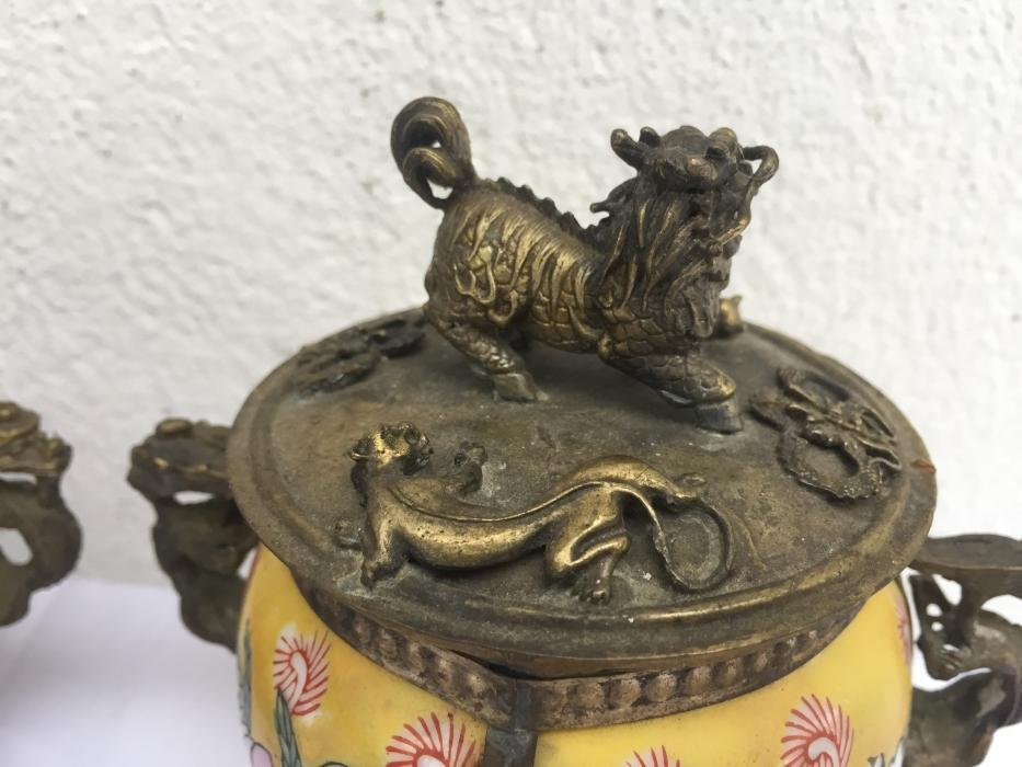 ONE PAIR BUDDHIST Feng Shui Box Ceramic Brass Dragon Foo Dog