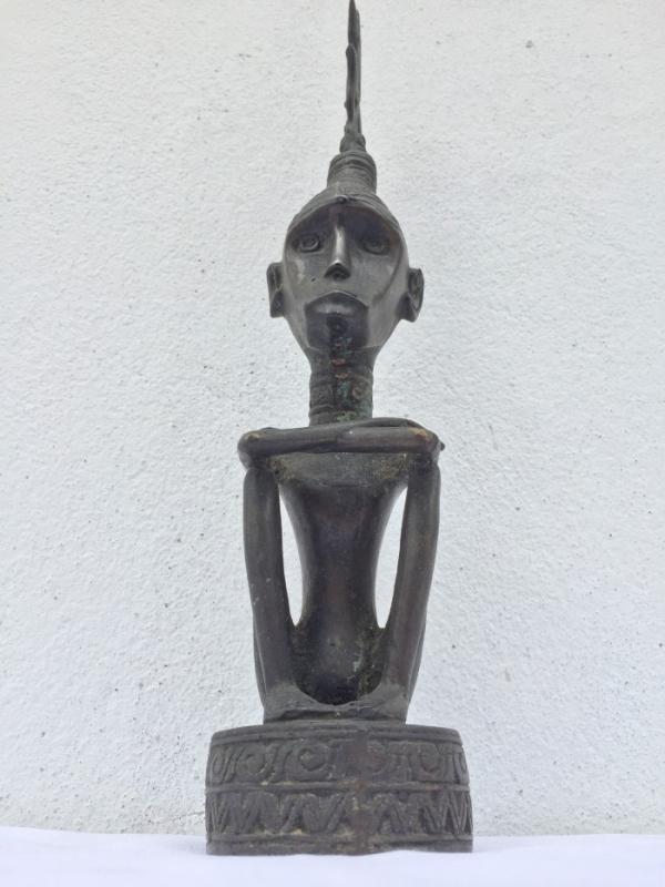 RAJA TANIMBAR 360mm Brass Statue Old Aged Royal Figure Sculpture