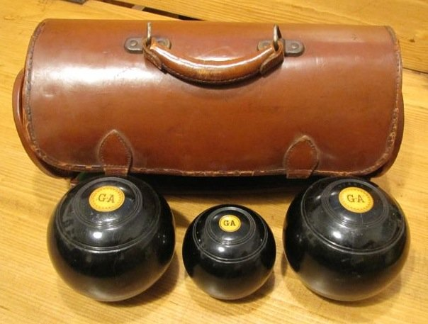 Lawn Bowling Set - 3 Balls with Leather Case
