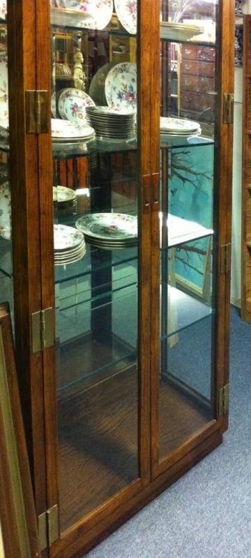 Henredon Lighted Display Case w/beveled glass