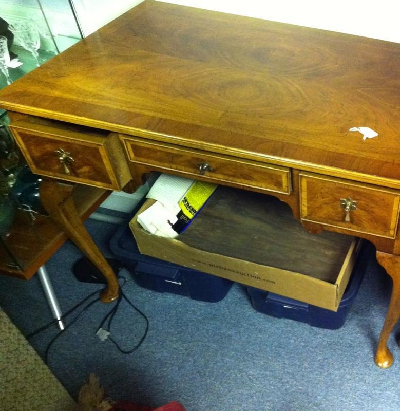 Henredon 3 Drawer Mahogany Desk