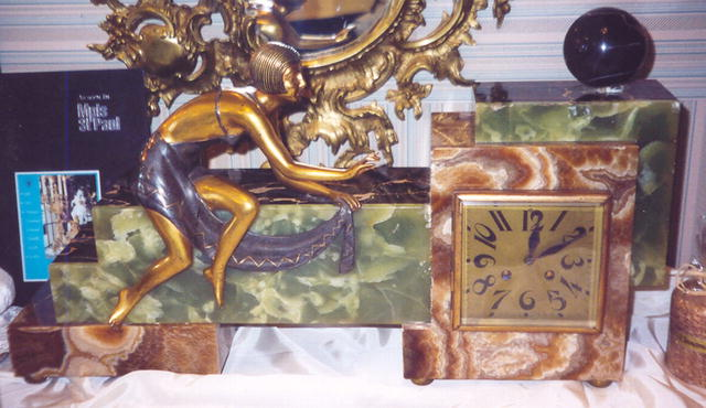 French Art Deco Onyx Mantle Clock