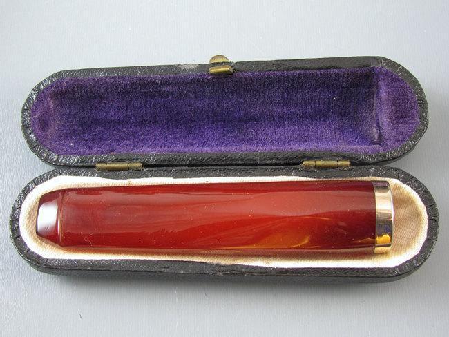 Vintage Art Deco cherry red genuine Baltic amber cigarette holder, smoking, cheroot, cigar, tobacciana, original fitted display box case