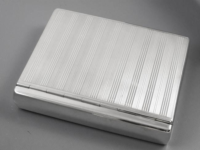 5.5 ounce scarce Flip Top Box vintage Art Deco 1920s signed Battin sterling silver cigarette case, smoking, tobacciana, business card case