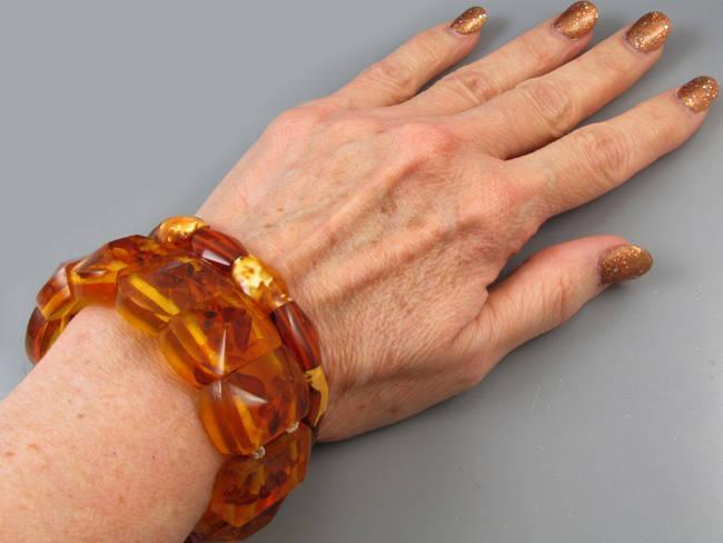 Pair of vintage Art Deco geometric faceted Baltic amber stretch expansion cuff bracelets