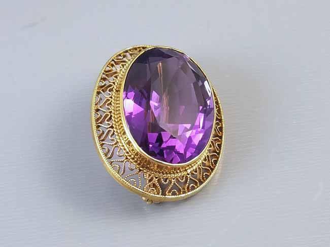Stunning 14k gold vintage 14k gold filigree 23 carat purple amethyst brooch pin / mid century