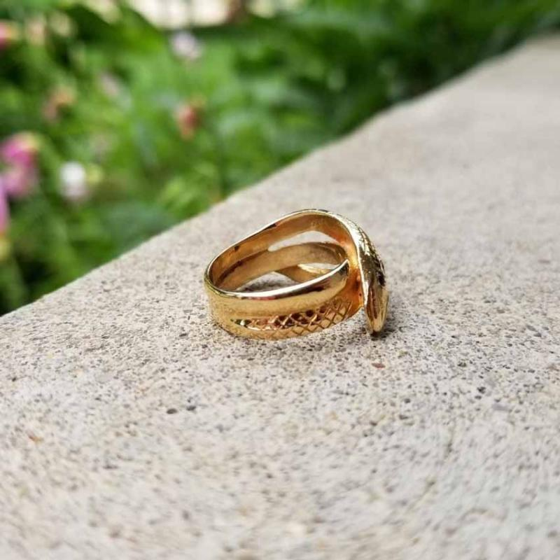 Vintage mid century 14k gold textured snake ring, diamond head, garnet eyes, size 5-1/4