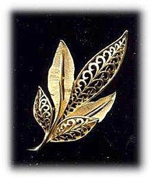 """J.J. Goldtone 3 1/4"""" Leaf Brooch - Vintage"""