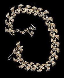 "1950s CORO 17"" Goldtone Necklace with White Stones"