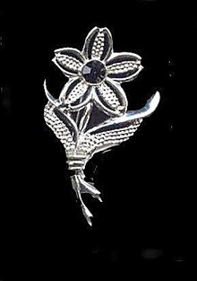 Sarah Coventry 'Black Beauty' 1960s Flower Pin