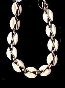 Lovely Vintage Coro White & Silvertone Necklace